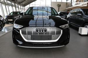 Audi e-tron 95kWh (408 л.с.) Quattro Advanced