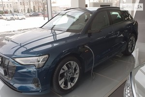 Audi e-tron 95kWh (408 л.с.) Quattro Individual