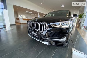 BMW X1 20i Steptronic (192 л.с.) xDrive Base
