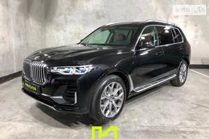 BMW X7 50i Steptronic (462 л.с.) xDrive base