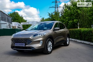 Ford Kuga 2.0 EcoBlue AT (190 л.с.) AWD Lux