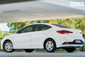 Hyundai Elantra 2.0 MPi AT (152 л.с.) Style Safety