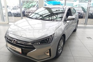 Hyundai Elantra 1.6 AT (127 л.с.) Style Safety
