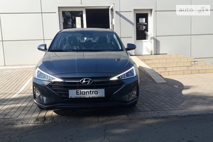 Hyundai Elantra 1.6 AT (127 л.с.) Style Safety