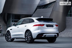 Jaguar F-Pace 2.0 AT (300 л.с.) AWD Pure