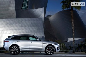 Jaguar F-Pace 2.0 AT (300 л.с.) AWD Pure