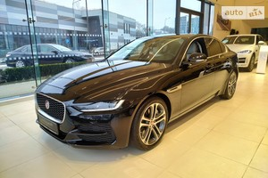 Jaguar XE 2.0D AT (180 л.с.) RWD S