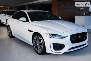 Jaguar XE 2.0i AT (250 л.с.) RWD R-Dynamic S