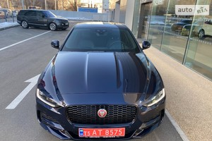 Jaguar XE 2.0 Si4 AT (300 л.с.) AWD S
