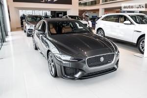 Jaguar XE 2.0i AT (250 л.с.) RWD R-Dynamic HSE