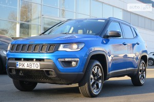 Jeep Compass 2.0d MultiJet 9АТ (171 л.с.) AWD Trailhawk