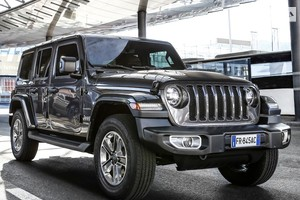 Jeep Wrangler Unlimited 2.0i AT (272 л.с.) AWD Sahara