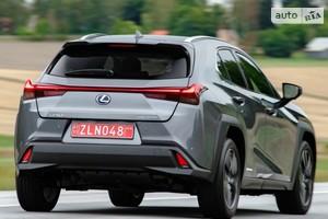 Lexus UX 250h CVT (177 л.с.) Launch