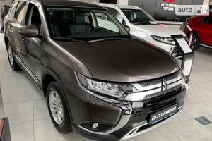 Mitsubishi Outlander 2.0 CVT (145 л.с.) 4WD Intense