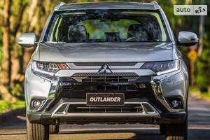 Mitsubishi Outlander 2.4 CVT (167 л.с.) 4WD 7s Ultimate