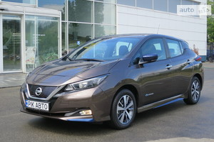 Nissan Leaf 40kWh AT (150 л.с.) Base