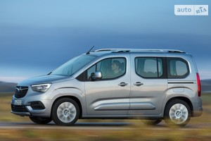 Opel Combo Life 1.5 BlueHDi AT (130 л.с.) L1 S/S 7s Enjoy
