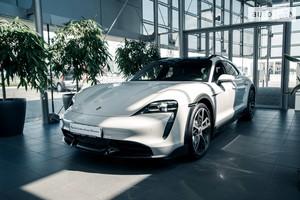 Porsche Taycan Cross Turismo (600 л.с.)