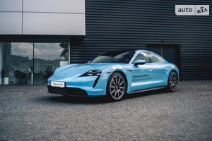 Porsche Taycan 4S Performance Plus (571 л.с.)