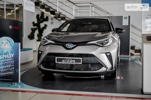 Toyota C-HR 2.0 Hybrid e-CVT (184 л.с.) Style