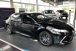 Toyota Camry 2.5 Hybrid e-CVT (218 л.с.) Prestige+