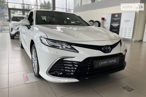 Toyota Camry 2.5 Hybrid e-CVT (218 л.с.) Elegance+