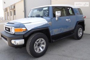 Toyota FJ Cruiser 4.0 AT (260 л.с.) 4WD