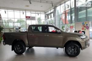 Toyota Hilux 2.4 D-4D AT (150 л.с.) AWD Comfort
