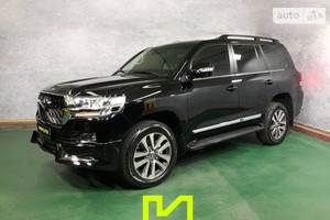 Toyota Land Cruiser 200 B6/B7 5.7 AT (381 л.с.) base