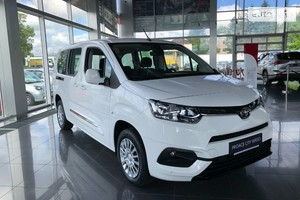Toyota Proace City Verso 1.5 D-4D 5MT (102 л.с.) L2 Shuttle
