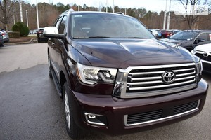 Toyota Sequoia 5.7 AT (381 л.с.) Platinum