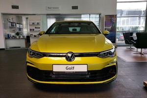 Volkswagen Golf 1.4 TSI AT (150 л.с.) R-Line