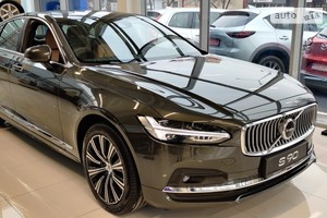 Volvo S90 D5 2.0 АТ (235 л.с.) AWD Inscription