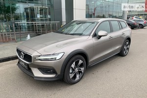 Volvo V60 Cross Country T5 2.0 АT (254 л.с.) АWD Pro
