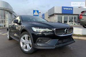 Volvo V60 Cross Country T5 2.0 АT (250 л.с.) АWD Plus