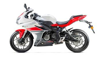 Benelli TNT 302R ABS 2018