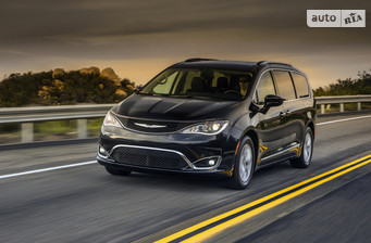 Chrysler Pacifica 3.6 АТ (286 л.с.) Touring-L 2016