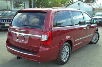 Chrysler Town & Country 3.6i AT (283 л.с.) Touring 2016