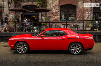 Dodge Challenger 3.6 AT (305 л.с.) 2018