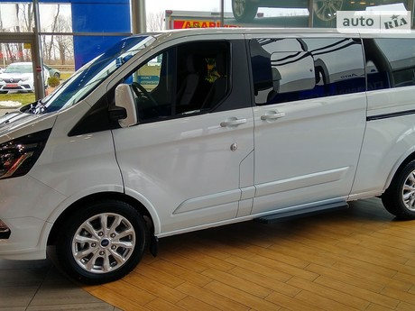 Ford Tourneo Custom 2021