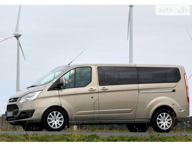 Ford Tourneo Custom Premium Business
