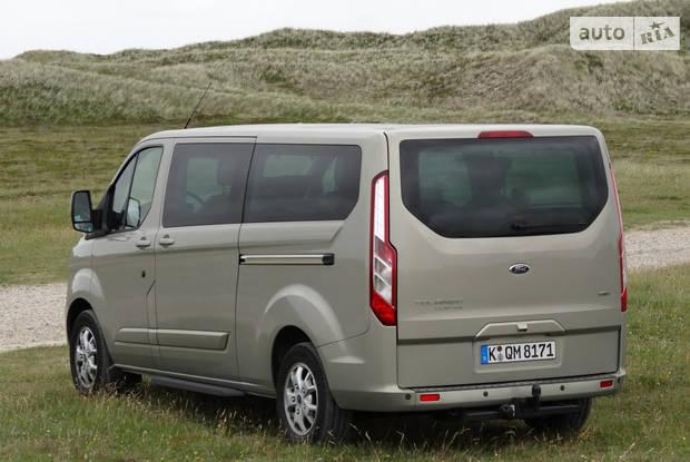 Ford Tourneo Custom Titanium