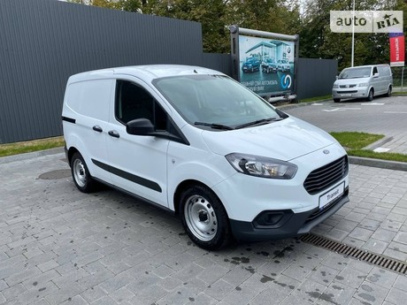 Ford Transit Courier 2021
