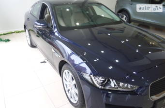 Jaguar XE 2.0D AT (180 л.с.) 2017