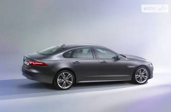 Jaguar XF 2.0D i4 АT (180 л.с.) RWD 2018