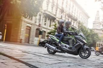 Kawasaki J 300 2018