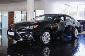 Lexus ES 250 AT (184 л.с.) 2018