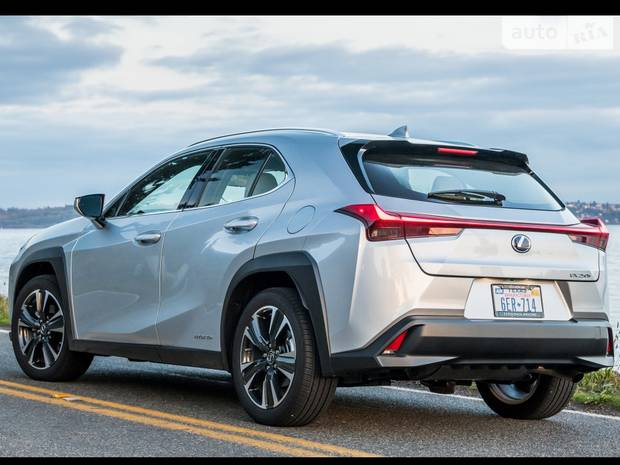Lexus UX Business