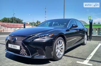 Lexus LS 500h AT (359 л.с.) 4WD 2017