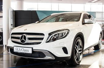 Mercedes-Benz GLA-Class GLA 200d AT (136 л.с.) 4Matic  2016